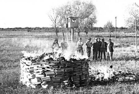 quema-de-libros-argentina-c1978